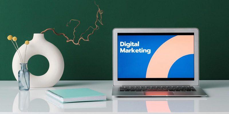 Ordinateur pour faire du marketing digital